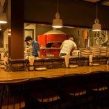 経験を積んだピザ職人が一枚ずつ丁寧に。心をこめて。