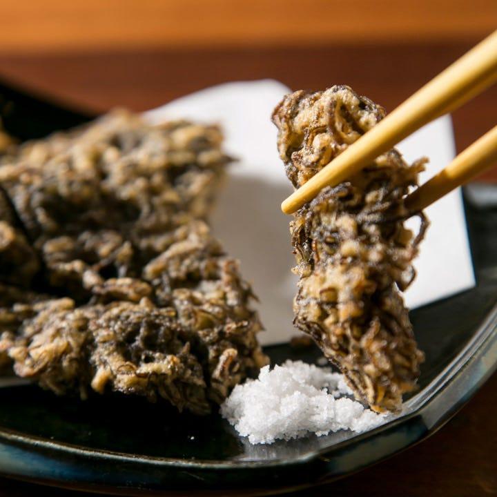 外はサクッ!中はモチッ!浜比嘉塩で素材を味わうもずくの天ぷら