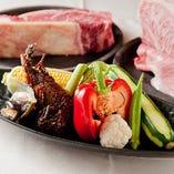 海鮮や野菜も鉄板焼きに合う食材が多数