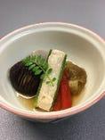 《焚物》     焼き茄子.椎茸.赤パプリカ.オクラ.小芋