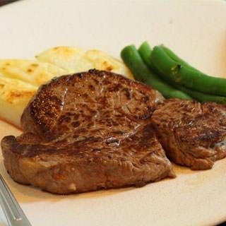 25ミリの鉄板で焼く美味しいステーキ