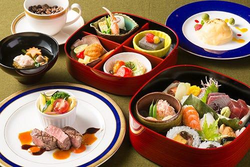 小分けにした箱膳は彩りや旬の食材和の味覚を存分に味わえます。