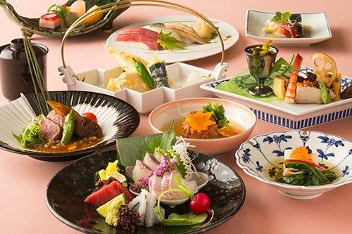 和の匠の技を尽くし、季節折々の旬の食材を大切にした和会席。