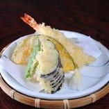 天ぷら(志んやのランチ(志んやの小鉢)天ぷらとなります)