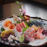 魚貝類盛り合わせ(2人前)1人前 2,000円より