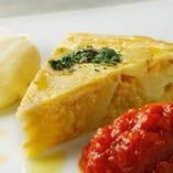 スペイン風オムレツ アリオリソースとトマトソースで!