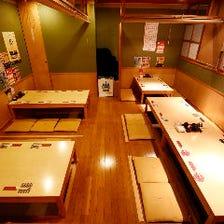 ◆木材基調の空間でゆったりお食事を