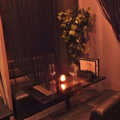 4種のグリルミート×ソファ個室 ラフィーネ 秋葉原 店内の画像