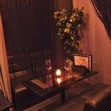 ムード満点のソファー個室