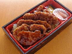 ソースカツ弁当 ※Web予約も可  味噌汁付