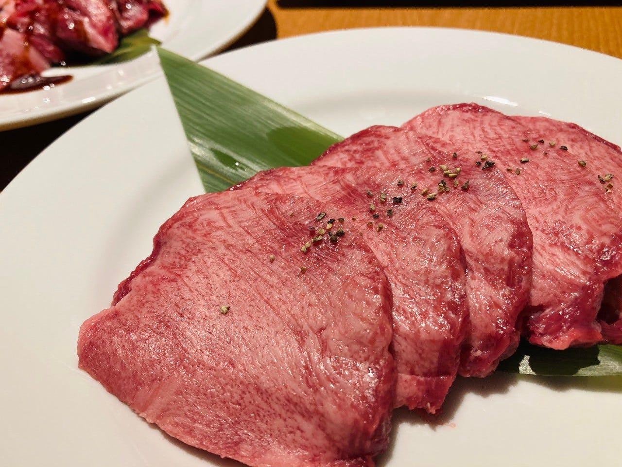 最高品質のお肉と厳選したお酒を最強コスパで!