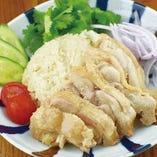 鶏もも肉のシンガポールチキンライス