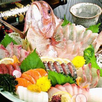 カワハギや鯛などの旬魚の姿造り