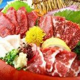 新鮮な馬肉だからこそ味わえる濃厚な旨みととろける食感。