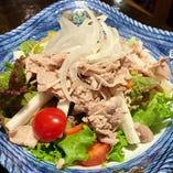 豚しゃぶと山芋のサラダ