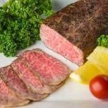 当店では、松阪牛を中心に国産黒毛和牛をご提供しております!