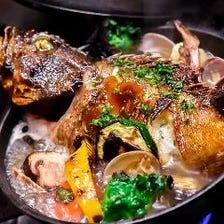 鮮魚まるまる一匹入りアクアパッツァ