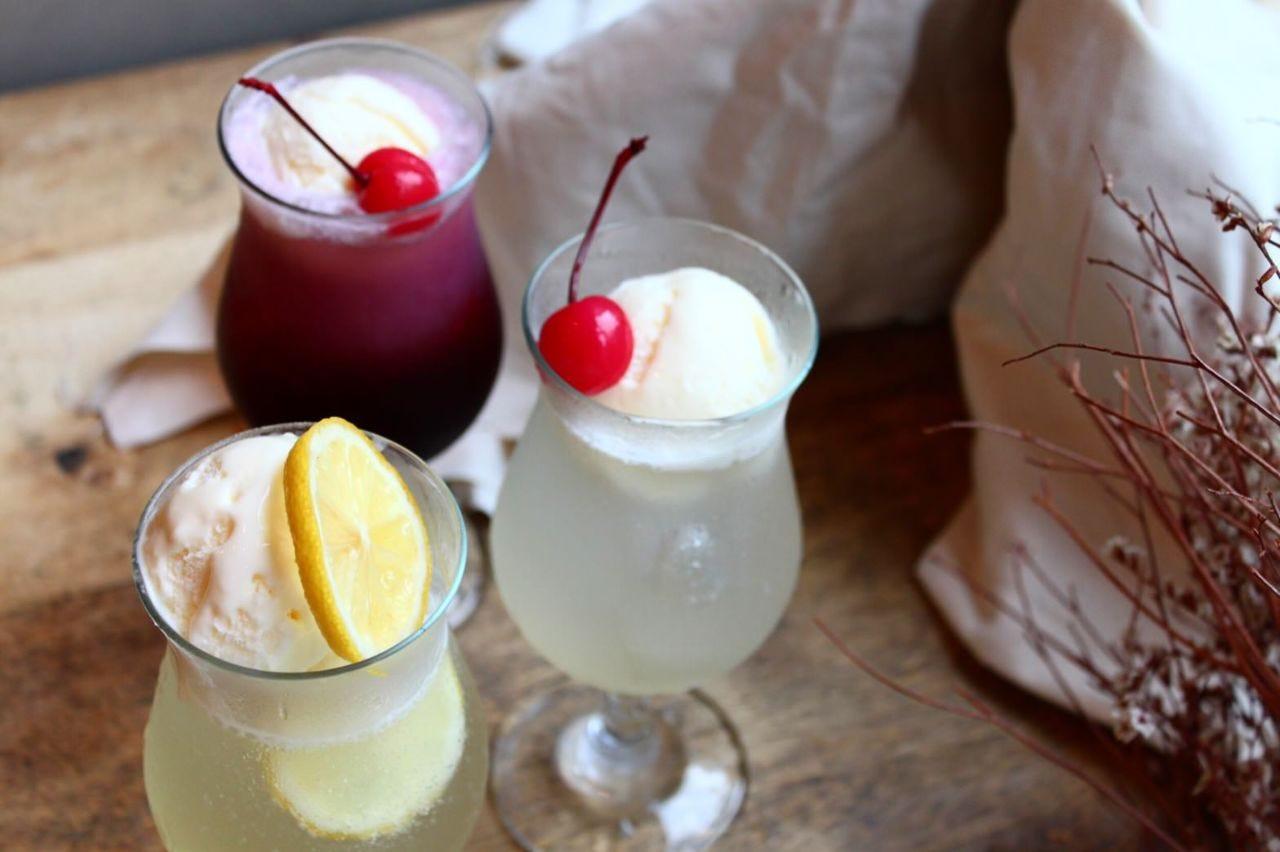 旬のフルーツを使った季節感たっぷりのオリジナルドリンクも人気