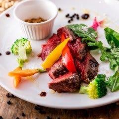 牛リブロースステーキ 3種のスパイスを添えて