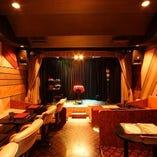 【ステージルーム」32席全席見やすく設計してあります。