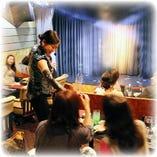 ★クロースアップマジック★とは 御客様の目の前のテーブル上で行います。