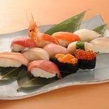 寿司や海鮮丼もあります。