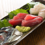 魚も旨い!鮮度にこだわり仕入れる旬魚の刺身も当店のおすすめ!