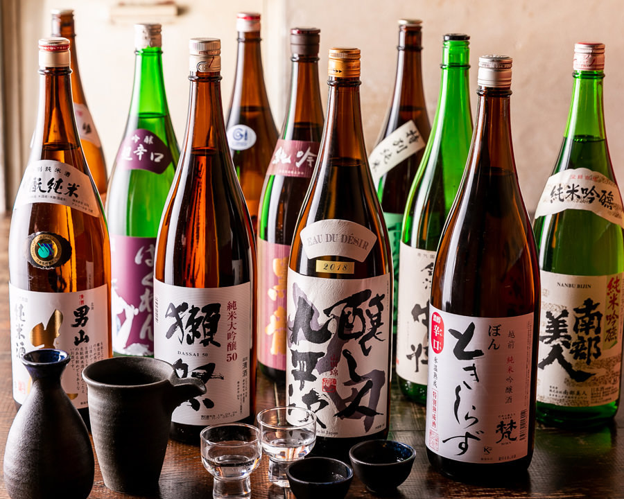 厳選された20種類の日本酒と絶品料理