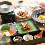 普段使いから、おもてなしや特別な日のお祝いにもぴったりなさんしょうのお料理。コースは3,000円~ご用意しております。