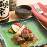 コースの主菜はお肉料理を。