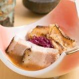 「山笑コース」では、《鹿児島県産黒豚》と《徳島県産阿波尾鶏》の2種類の味わいを食べ比べて、お楽しみください。