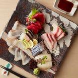 八戸港より、朝獲れ新鮮な魚介を毎日欠かさず仕入れております