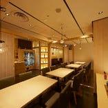 明るく凛とした和の空間、店貸切は最大30名様まで着席可能
