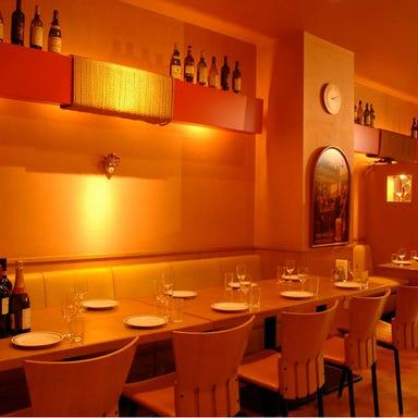 世界のワインとイタリアン パサージュ 田町店 店内の画像