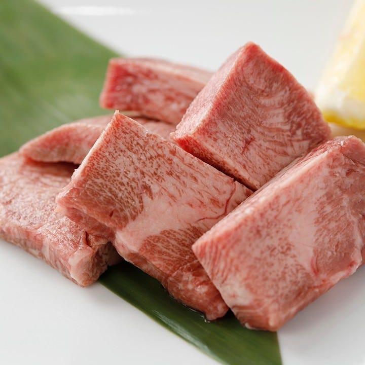 噛むと食感はもちろん肉汁溢れる