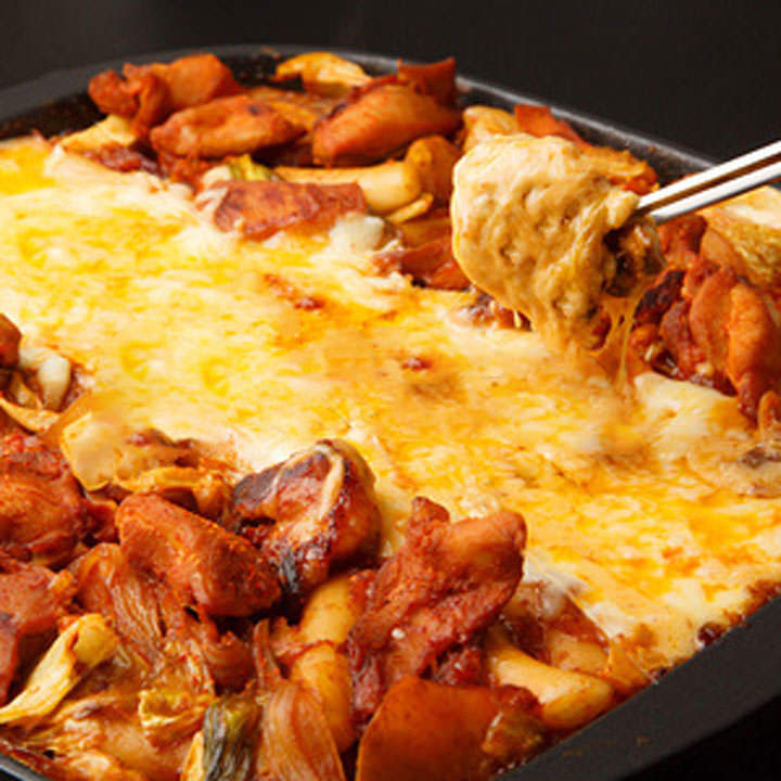 接待や会食にも最適なお料理と空間をご提供させていただきます。