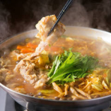 メディアで話題&一年通して人気の『インドカレー鍋』は要予約
