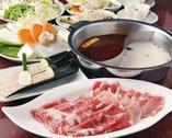 「火鍋コース」食べ放題2680円 ホット&コラーゲンたっぷり!