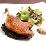 シャラン産鴨もも肉のコンフィ