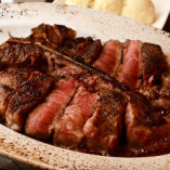 サーロイン&ヒレ、二つの味を楽しめる「Tボーンステーキ」