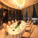 完全個室(4~8名様)ワインセラーと景色が美しいお部屋。