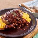 焼きオムドリアとデミグラスハンバーグ
