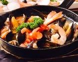 ムール貝と海老のアヒージョ