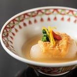 天ぷらはもちろんその他コース料理にも京料理の息吹を