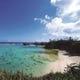 目の前には「beach51」。岬からはエメラルドグリーンの海が一望