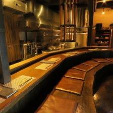 オープンキッチンが魅力大人の居酒屋