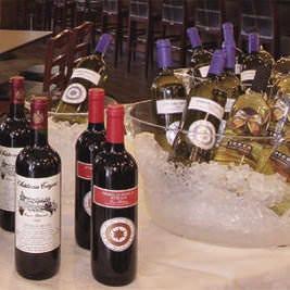 昼から宴会も大歓迎! ワインと合わせてどうぞ♪