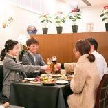 カジュアルな宴会から、誕生日会や結婚パーティ-まで、シーンに合わせて料理、空間をご用意します。