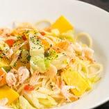 桜海老と旬野菜のペペロンチーノ