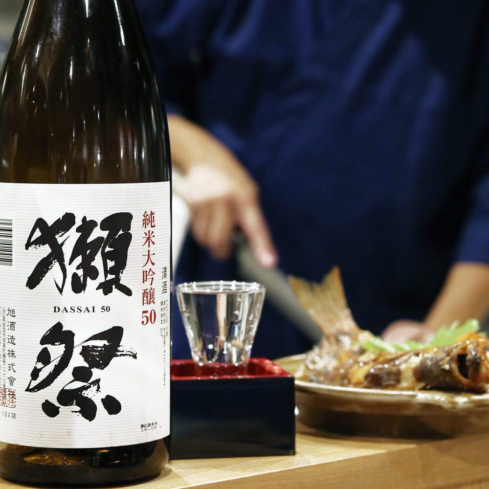 全国の個性豊かな日本酒を仕入れ